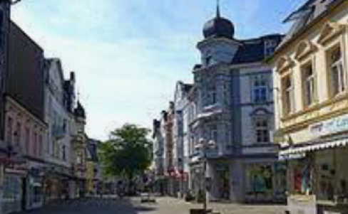 Solinger Sprachschule in Rüden an der Wupper, Dolmetschen und Übersetzen